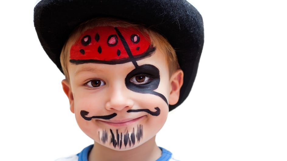 Pirat schminken für den Karneval: So gelingen 3-Tage-Bart & Co.