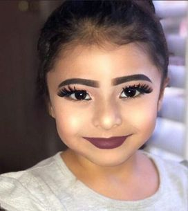 Elle publie une photo d'une enfant de 5 ans maquillée et crée la polémique