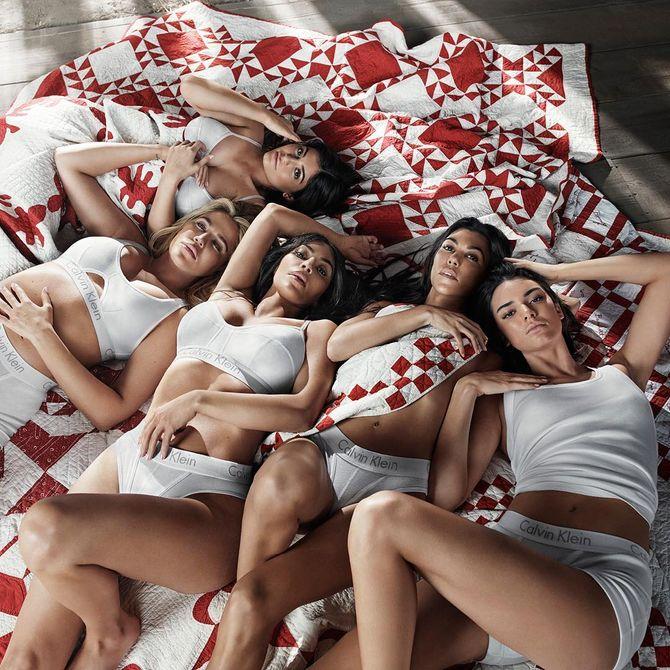Les soeurs Kardashian posent pour Calvin Klein