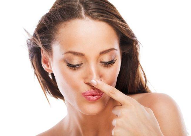 Taglio capelli per naso a patata