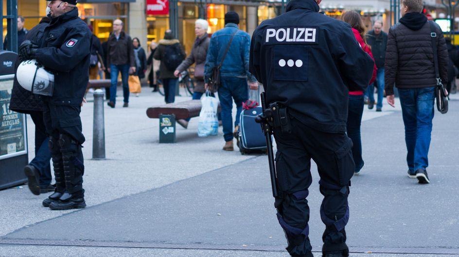 """À Rotterdam, la police souhaite confisquer les vêtements de jeunes """"trop bien habillés"""""""