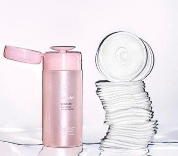 Glossier sort un produit contre l'acné, les résultats sont ÉTONNANTS (Photos)