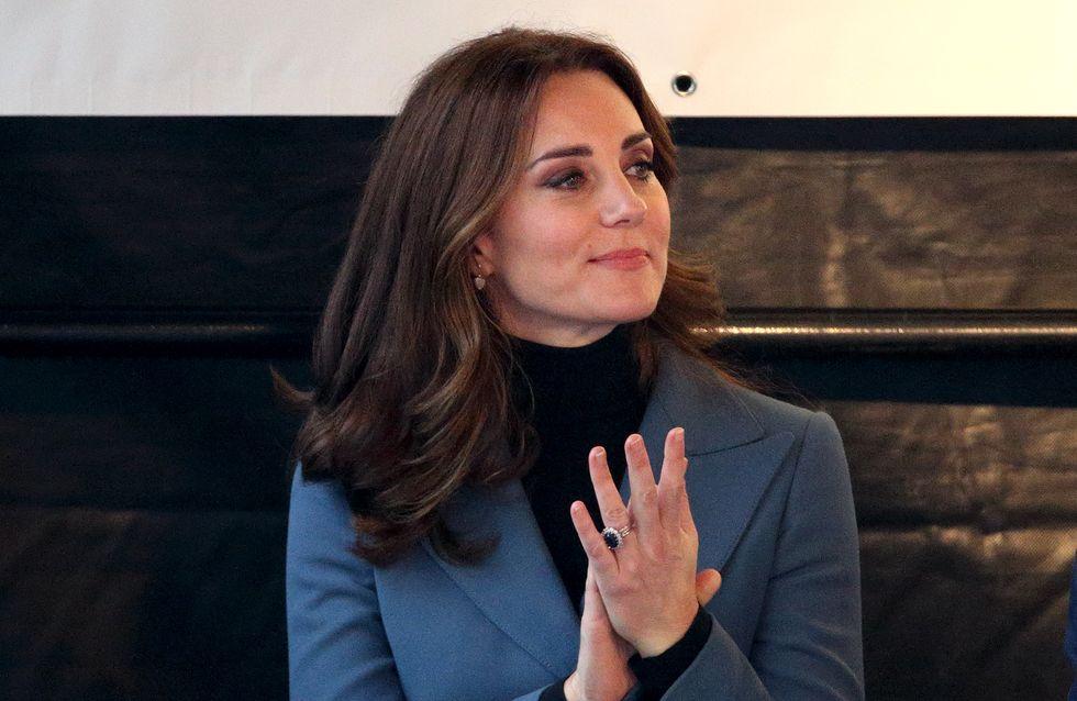Kate Middleton ne retire JAMAIS son manteau en public, en voici la raison