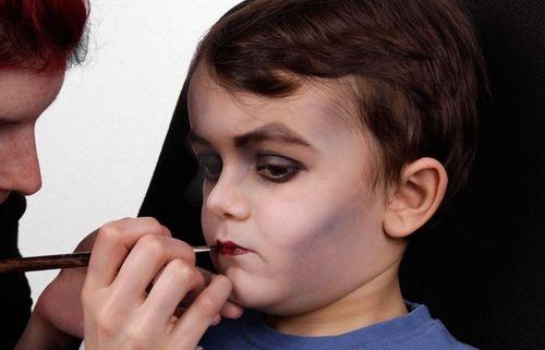 Vampir Schminken Einfache Schritt Fur Schritt Anleitung