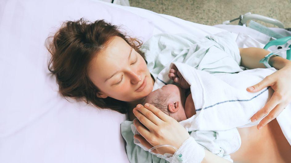 Cette maman accouche d'un bébé de 6 kilos... sans péridurale ! (Photos)