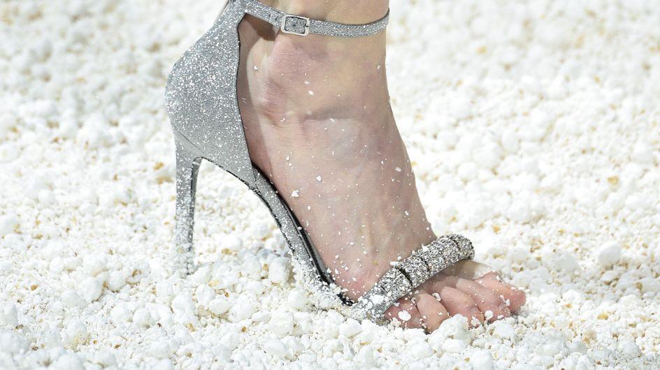 Les mannequins Calvin Klein ont défilé sur des tonnes de popcorn, une folie (Photos)