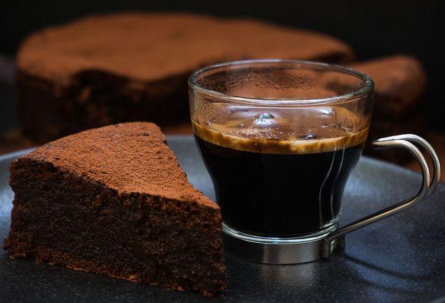 Gottlich Die 4 Besten Rezepte Fur Saftigen Schokoladenkuchen