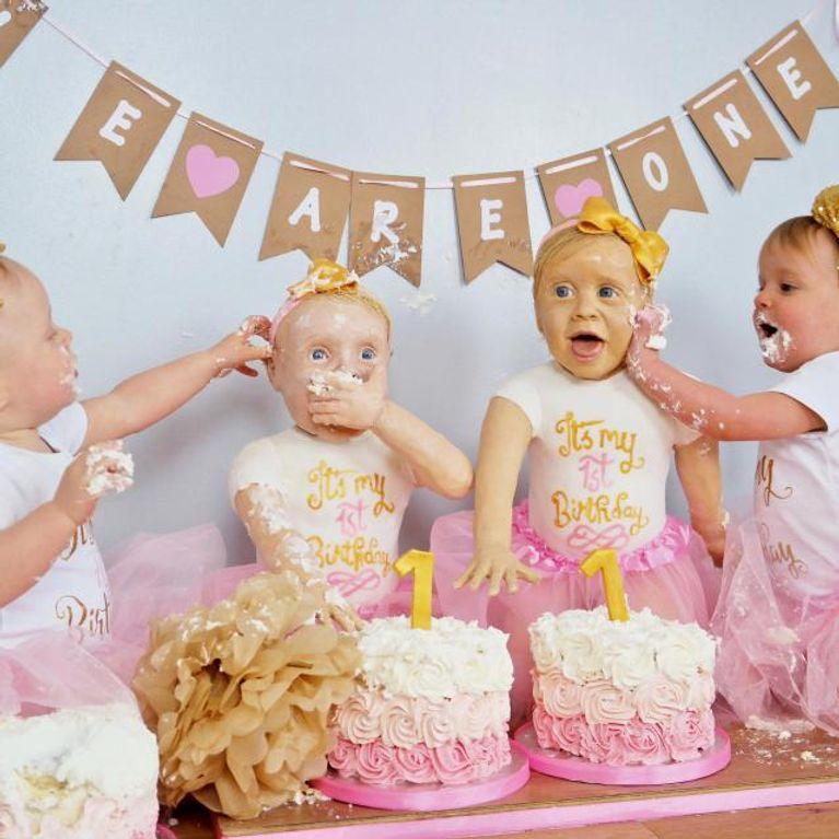 Cette Maman Crée Le Sosie De Ses Jumelles En Gâteau