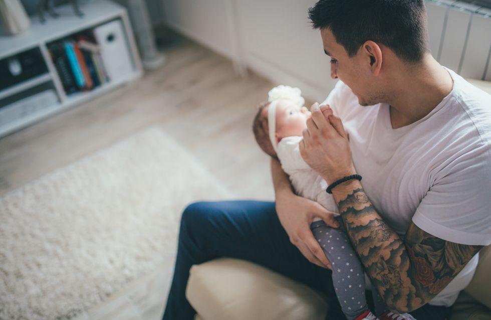 Ce papa a la solution parfaite pour allaiter son bébé quand sa femme n'est pas là