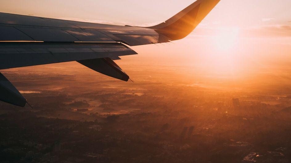 Perché addormentarsi in aereo può essere rischioso (per la salute)