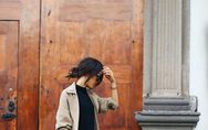 15 maneras de llevar Converse en tu look de oficina