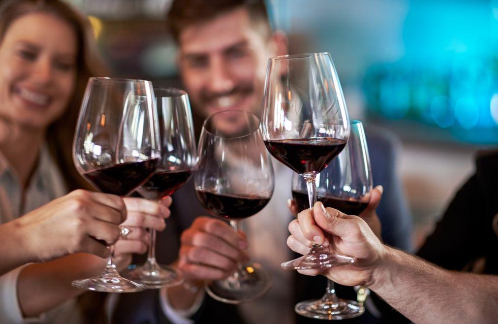 C'est prouvé, boire du vin rouge rendrait vos dents plus belles