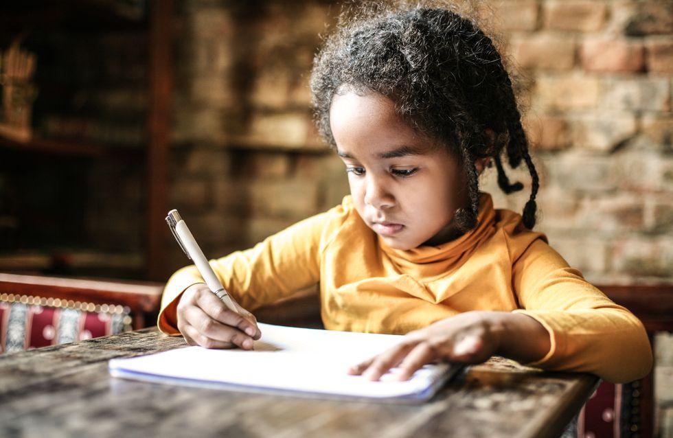 A cause des tablettes, les enfants n'arrivent plus à tenir un stylo