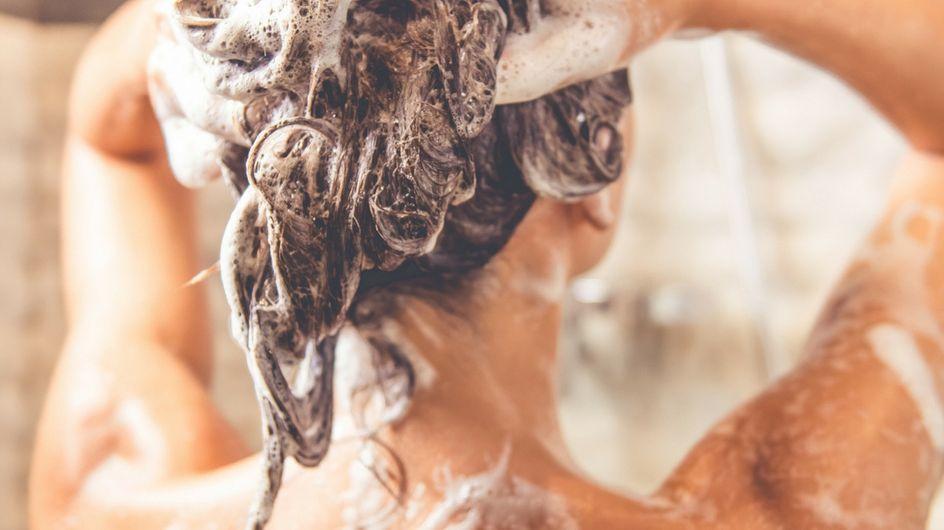 Cosa accade ai tuoi capelli se non li lavi per una settimana (rischi e vantaggi)