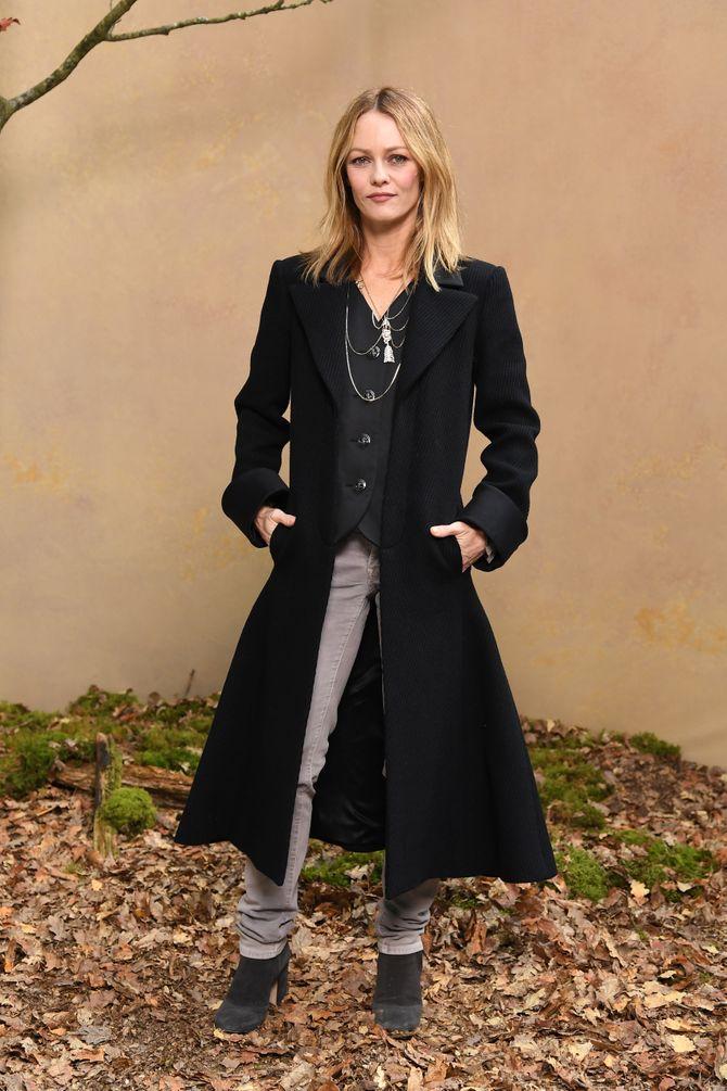 Vanessa Paradis, simplement canon pour le défilé Chanel (Photos)