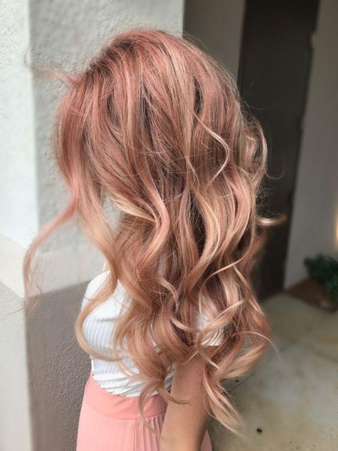Colore capelli 2018  tendenze e tinte da sfoggiare in estate! 07e5796879b0