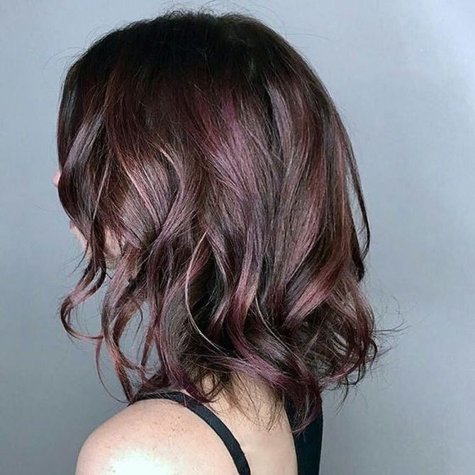 Colore capelli 2018  tendenze e tinte da sfoggiare in estate! 2a2cf25cc9b8