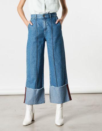 Ohne was drunter jeans Mutiger Füdli