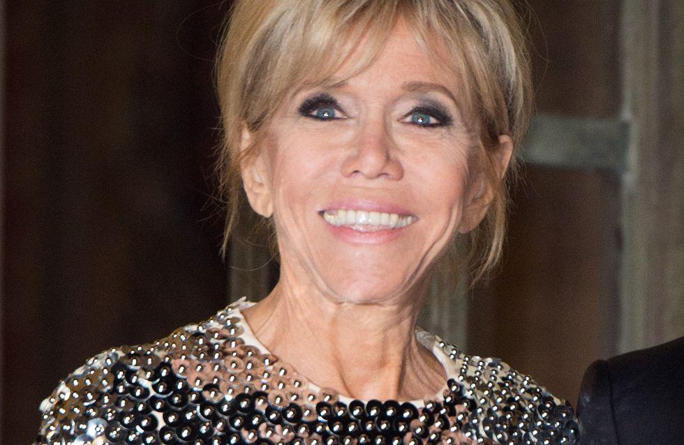 Brigitte Macron fait sensation dans une longue robe blanche à sequins (Photos)