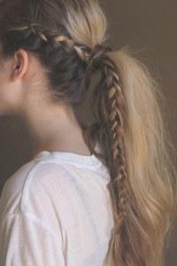 5 idées coiffure pour booster sa queue de cheval