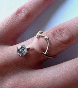 Piercing en el dedo, la última tendencia en pedidas de mano