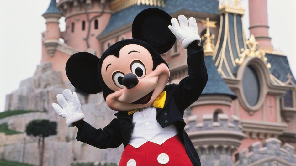 Ce papa transforme la chambre de sa fille passionnée de Disney, le résultat est magique