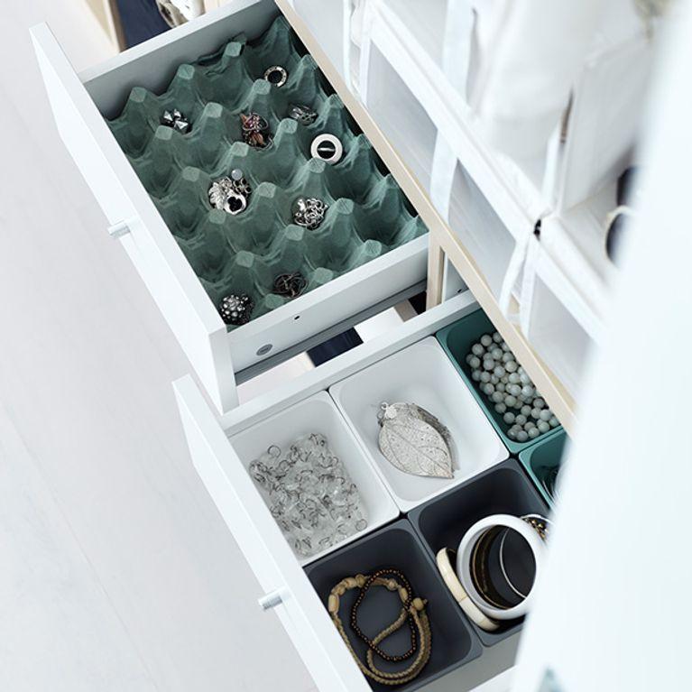8 astuces de rangement pour mes v tements. Black Bedroom Furniture Sets. Home Design Ideas
