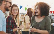 Comment bien communiquer ? 10 astuces pour assurer en société
