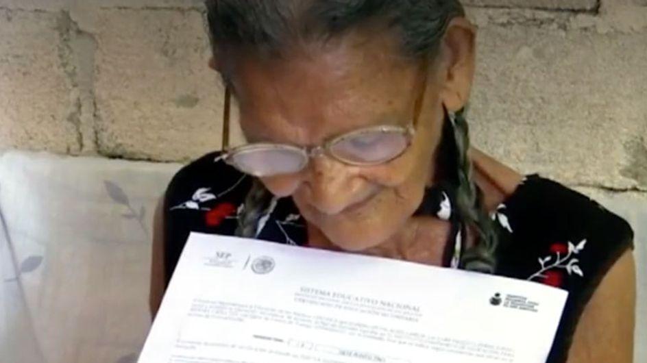 Lupita, la abuela mexicana que aprendió a leer con 96 años