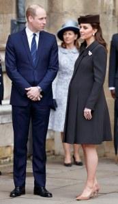 Kate Middleton enceinte à la messe de Pâques