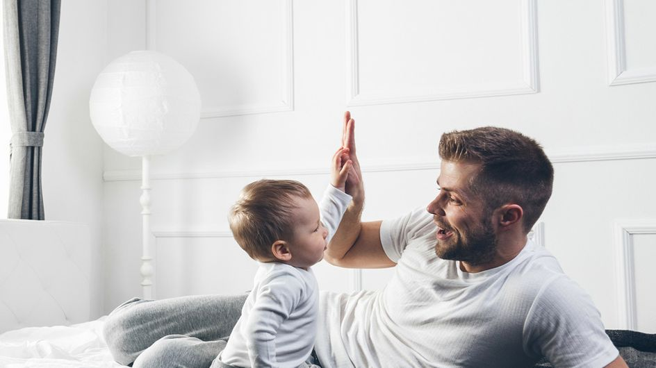 12 Dinge, die Papa anstellt, wenn er mit dem Baby alleine ist