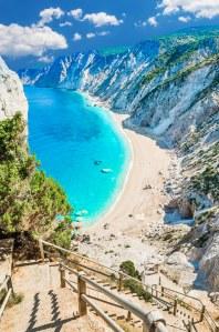 Mettre le cap sur l'île de Céphalonie plutôt que Santorin