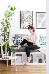 IKEA hack 6 : sortir les meubles de leur contexte - une bibliothèque en banquette