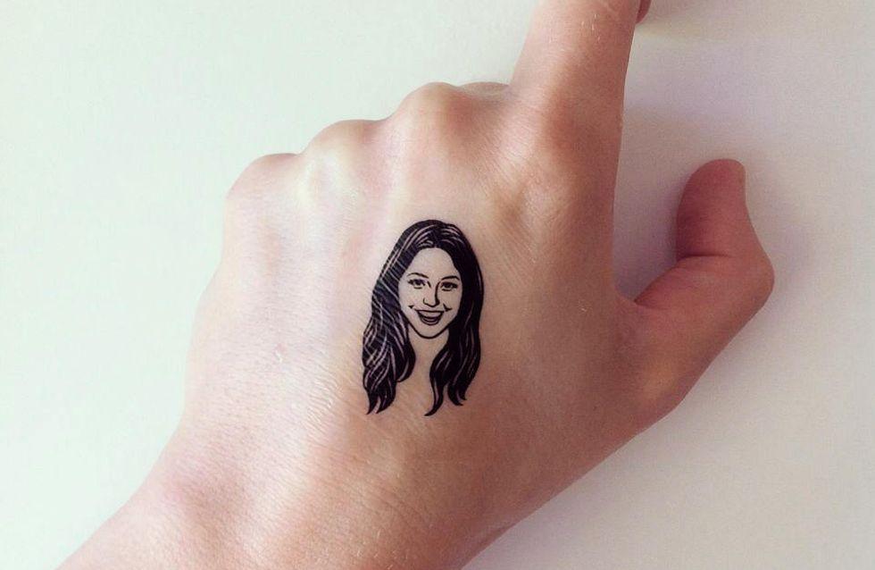 On n'attendait que ça : Un tatouage temporaire à l'effigie de sa meilleure amie