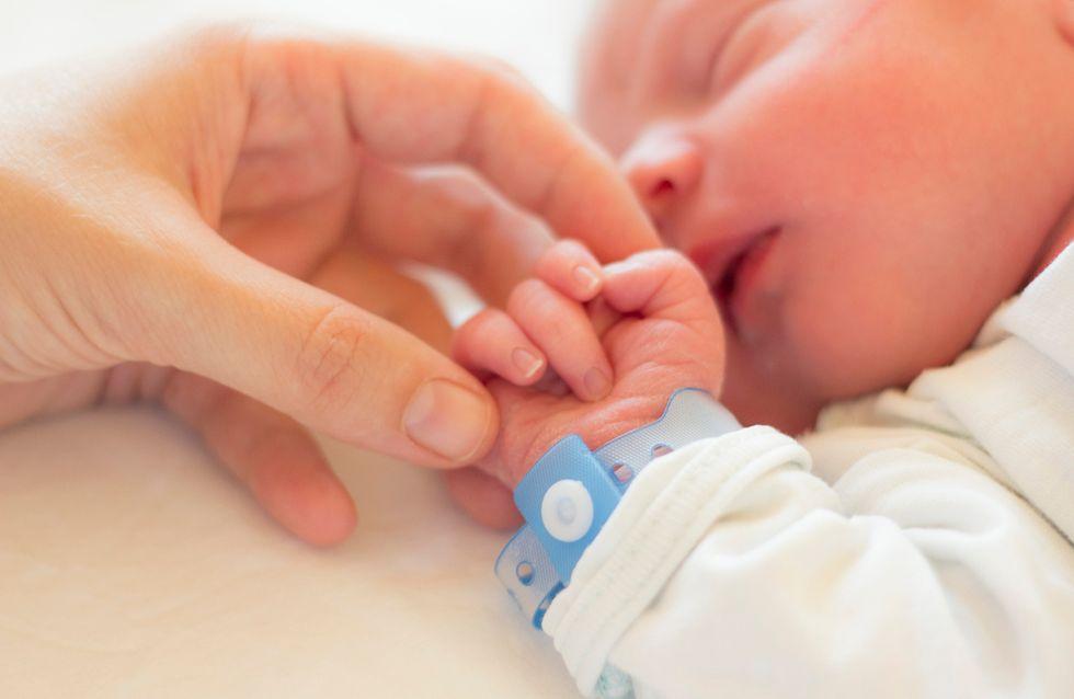 Pensant être ménopausée, elle comprend qu'elle était enceinte le jour de son accouchement