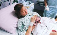 En pleine césarienne, elle sort elle-même son bébé de son ventre (Photos)