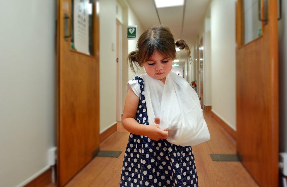 Née sans main gauche, cette fillette reçoit une prothèse fabriquée par un généreux inconnu