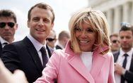 En Amérique, Brigitte Macron ose le manteau rose fluo et la robe jaune (Photos)