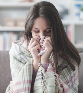 Cette femme découvre que son nez coule à cause d'une fuite du fluide de son cerv