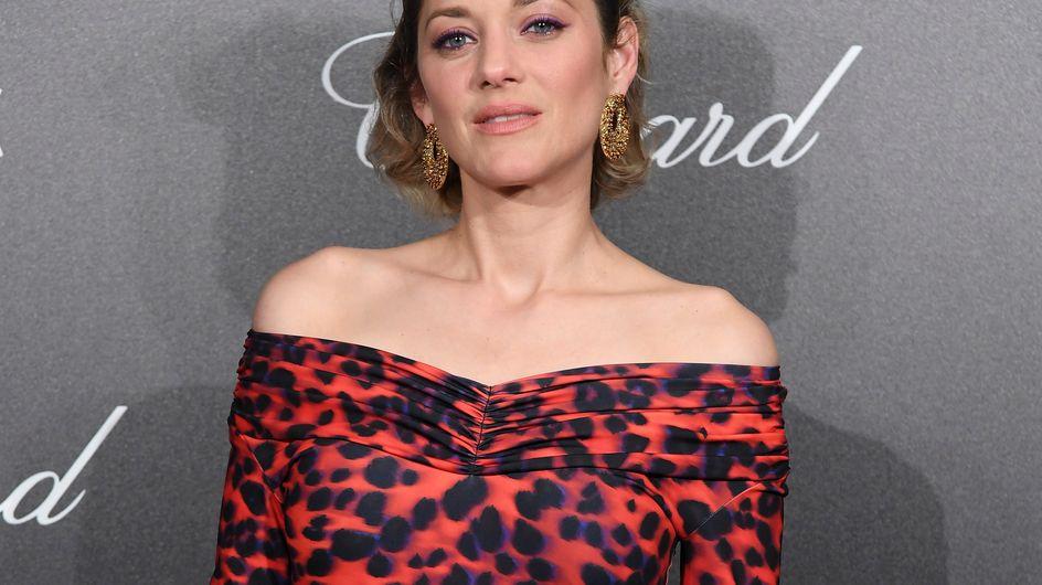 En combi léopard et cuissardes, Marion Cotillard ose les looks les plus fous à Cannes