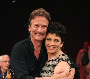 Ballando con le stelle: Cesare Bocci balla con la moglie e commuove tutti!