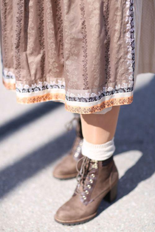the latest be467 c2715 Welche Schuhe zum Dirndl: Styling-Regeln fürs Oktoberfest