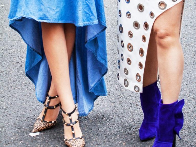Welche Schuhe passen zum Jeansrock? Tolle Style Tipps
