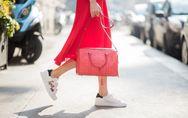 Weiße Sneaker kombinieren: DAS sind die Trend-Looks!