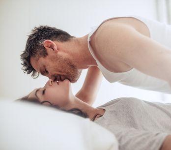 Diese 6 Dinge tut er beim Sex, wenn er dich über alles liebt