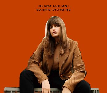 Coup de coeur : Clara Luciani envoûtante avec son morceau Eddy (vidéo)