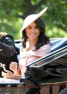 Trooping the Colour : Meghan Markle surprend avec sa robe !