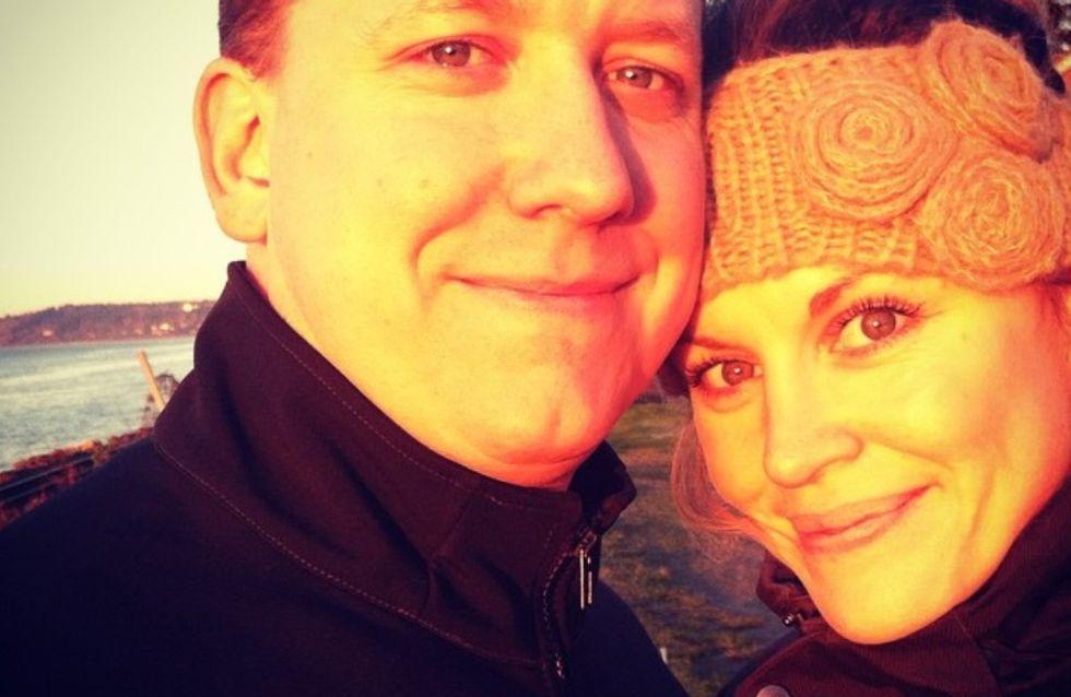Atteinte d'un cancer en phase terminale, elle surprend son mari avec un mariage de rêve !