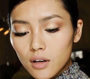 Layering: el ritual de limpieza facial más famoso de las orientales