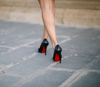 Louboutin ne veut plus voir ses chaussures portées par des candidates de télé-ré